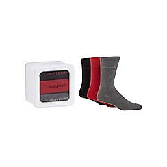 Calvin Klein - Pack of three red crew socks in a tin