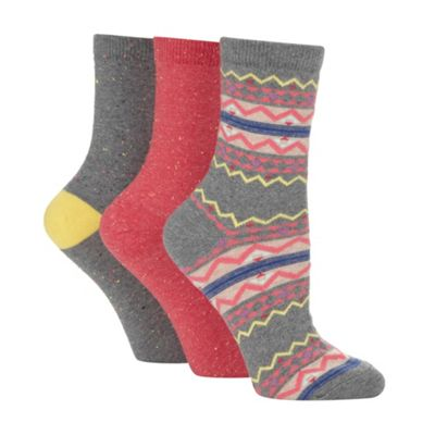 Pack of three dark peach patterned socks