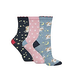 The Collection - Pack of three 'cow jump over the moon' ankle socks