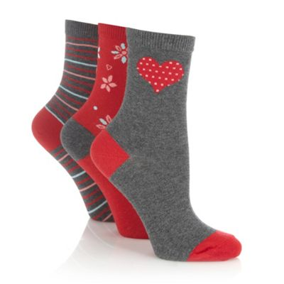 Pack of thee grey heart socks