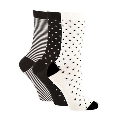 Pack of three black and white soft touch ankle socks