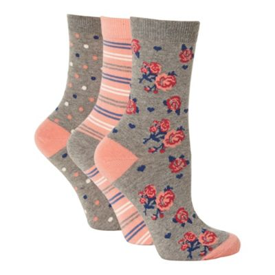 Pack of three grey cotton rich patterned ankle socks