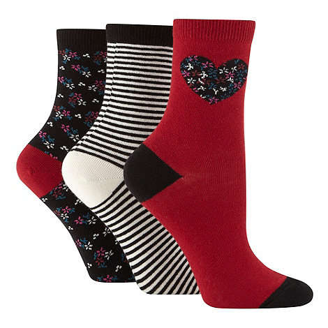 Debenhams - Pack of three dark red placement flower socks