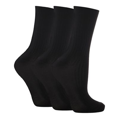 Pack of three black ankle socks
