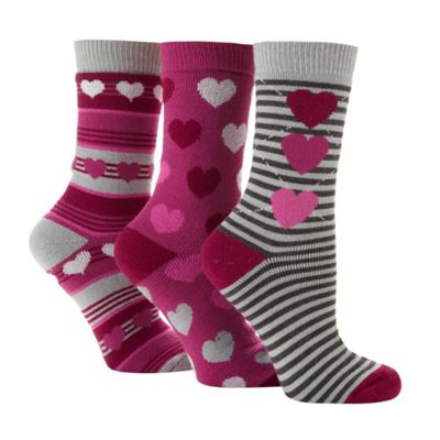 Pack of three dark pink striped and heart patterned thermal socks