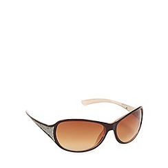 Mantaray - Brown plastic frame butterfly sunglasses