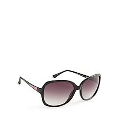 Guess - Black spectrum arm square sunglasses