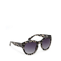 Red Herring - Grey tortoise shell round sunglasses