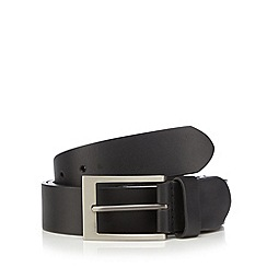 Mantaray - Black leather pin buckle belt in a gift tin