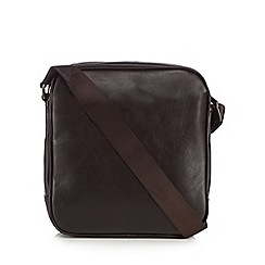 Jeff Banks - Brown leatherette mini flight bag