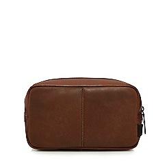 Mantaray - Brown zip around wash bag