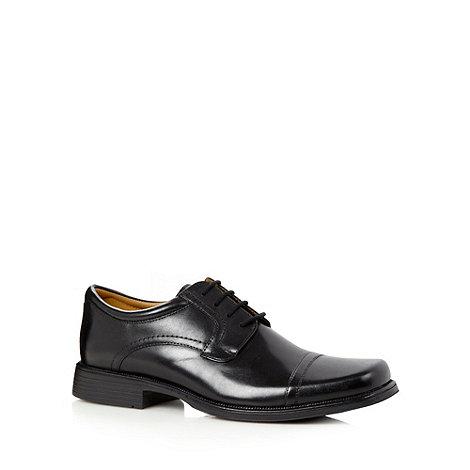 Clarks - Black +Hank Cap+ leather square toe shoes
