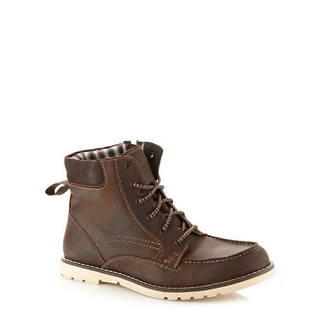 Mantaray - Brown leather apron front boots