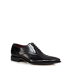 Loake - Black leather toe cap shoes