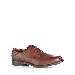 Clarks - Maroon leather 'Beeston Stride' shoes
