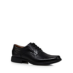 Clarks - Black 'Huckley Cap' leather shoes