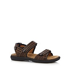 Clarks - Brown 'Unbryman Sun' sandals
