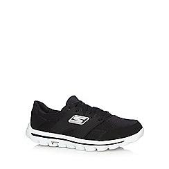Skechers - Black 'Go Walk 2 Stance' trainers