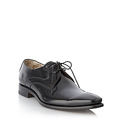 Loake - Big and tall wide fit black pointed smart shoes