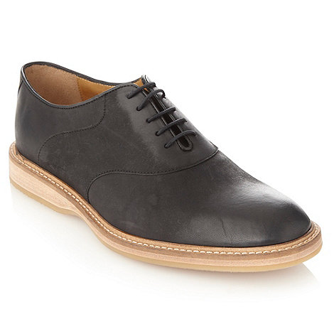 Loake - Wide fit black curved panelled leather shoes