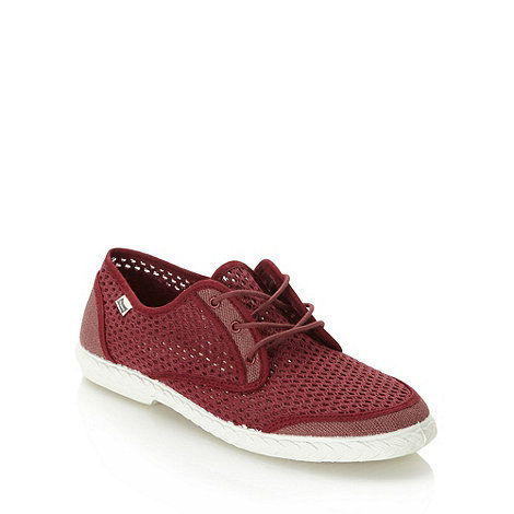 Maians - Wine meshed lace up plimsoles
