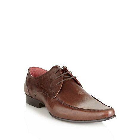 Red Tape - Brown leather pointed toe shoes