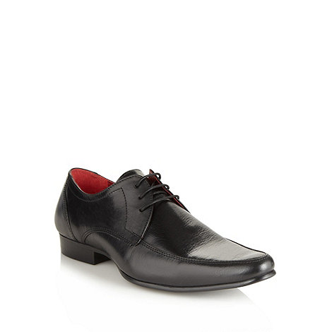 Red Tape - Black leather pointed toe shoes
