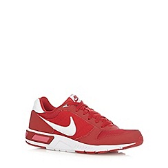 Nike - Red 'Nightgazer' trainers