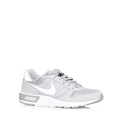 Nike - Grey 'Nightgazer' trainers
