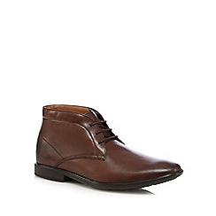Clarks - Brown 'Gosworth' Chukka boots