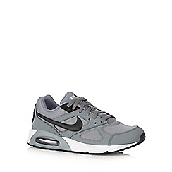 Nike - Grey 'Air Max IVO Q3' lace up trainers
