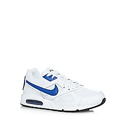 Nike - White 'Air Max IVO Q3' leather trainers