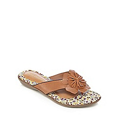 Hush Puppies - Tan leather 'Oria Nishi' sandals