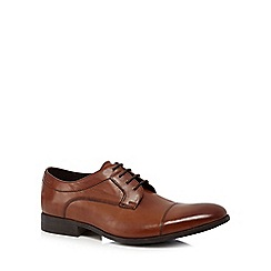 Clarks - Tan 'Banfield Cap' Derby shoes