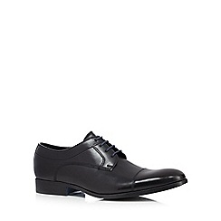 Clarks - Black 'Banfield Cap' Derby shoes