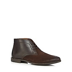 Clarks - Dark brown chukka boots