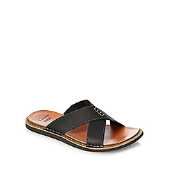 Clarks - Black 'Lynton' cross over strap sandals