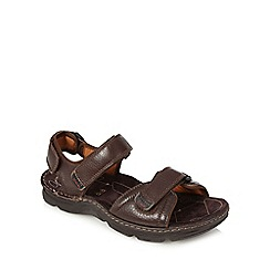 Clarks - Dark brown 'Active Air' walking sandals