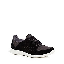 Clarks - Black 'Seremax Lace' trainers