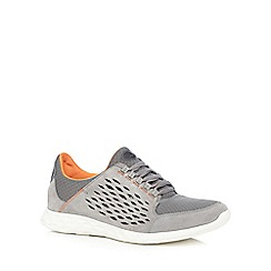 Clarks - Grey 'Seremax Lace' trainers