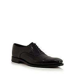 Loake - Black leather toe cap shoes