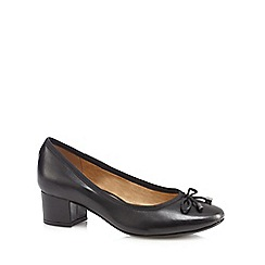 Hush Puppies - Black 'Nikita Discover' low court shoes
