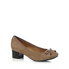 Hush Puppies - Taupe 'Nikita Discover' low court shoes