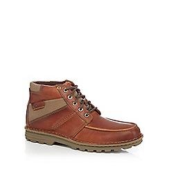 Clarks - Brown 'Sawtel Summit' boots