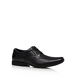 Clarks - Black 'Forbes Over' shoes