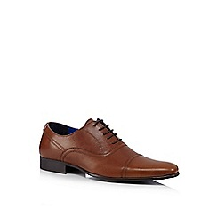 Red Tape - Tan burnished leather lace up shoes