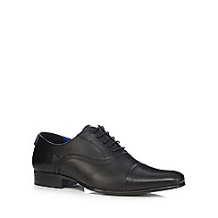 Red Tape - Black toe cap Oxford shoes