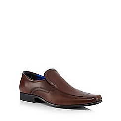 Red Tape - Brown grain leather slip-on shoes