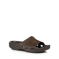 Crocs - Brown leather 'Yukon' sandals