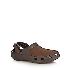 Crocs - Brown textured sandals